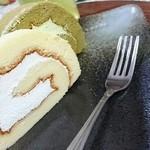 パティスリーピラミッド - 鶏冠井ロール