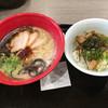ラーメンエクスプレス 博多一風堂 - 料理写真:☆赤まる&チャーシュー丼☆