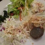 カウリキッチン - サラダ各種。