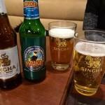 クンメー - シンハーにプケットビールで!