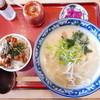 さがの - 料理写真:鶏ガララーメン(650円)ミニ鶏丼(200円)