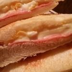 46383518 - ホットサンド チーズ&ハム②