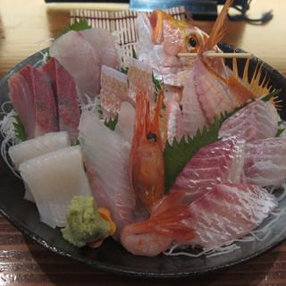 軍ちゃん - 料理写真:お刺身(一人前)(8種類):1580円