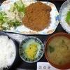 食堂もり川 - 料理写真:日替わり:ヒレカツとねぎとろ定食