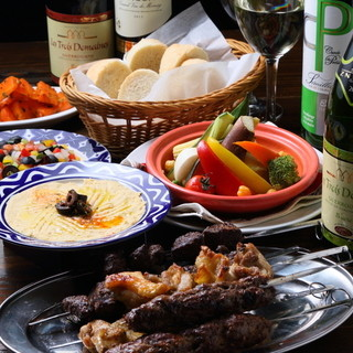 ヘルシースパイシーなアラブ料理タジンとケバブ