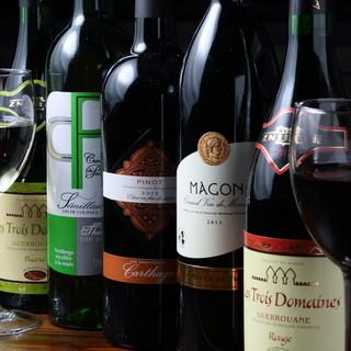 スパイシーな料理と相性抜群のワイン、カクテル、世界のビール!