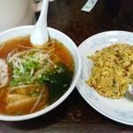 新華苑 - 料理写真:今日の日替わり、ラーメンとカレー焼き飯850円