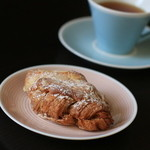 ワルダー - アーモンドペーストがつまったクロワッサン生地のパン ツレには大好評