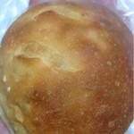 46428612 - 醤油コーンパン 税込87円・定番品