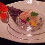46428632 - 牡丹海老の炙り スミレ色をしたカリフラワーと柑橘類の香り