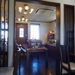 平野パン - 店内