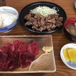 鯨食堂 - 【2016/1】鯨竜田揚定食+鯨刺身