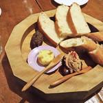 麹町カフェ - 美味しいパンが愉しめます