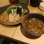 ラーメン龍の家 - つけ麺もつ 中 780円 小滝橋通り店と同じ味、〆の割おかゆが美味しいんですよね。スープ一滴まで飲み干すのはこれだけ(^o^)