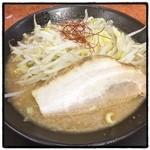 麺賊 夢我夢中 - 豚基本。 二郎インスパイア。 関内二郎は美味い、という意味がわかった。