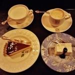 46509659 - 『コーヒー(フレッシュクリーム)』『レモンのタルト』と『ミルクティー』『レアチーズケーキ(フレンチ)』のセット~♪(^o^)丿