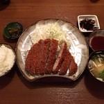 かつ扇 - 料理写真:ロースとんかつ大定食