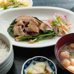 昼呑み小屋 通 - 豚バラ定食:750円/2016年1月