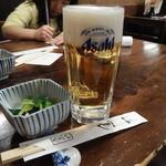 魚や - 生ビール中ジョッキ&その日のお通し
