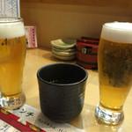 鮨処 あすか - まずは生ビールでしょ(笑)