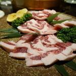 秋田きりたんぽ屋 - 秋田のブランド豚だったと思うケド・・