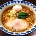 46594308 - 味玉醤油ラーメン(820円)