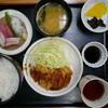 一品料理つかさ - 料理写真:日替わり(チキンカツ、お造りの盛り合わせ)750円