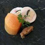 Maison de h-l'E´ridan - 知床鶏とフォアグラ、ピーナッツのピュレと柿