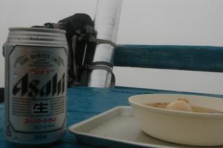 北岳 肩の小屋 - ビールとおでん