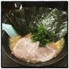 せんだい - 料理写真:醤油ラーメン、海苔増し。 マイルドな家系。 阪東橋店みたいに粉っぽくなくて好み。 場所がなー