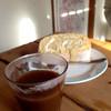 たまごの絵 - 料理写真:ロールケーキ(250円) (2016.01現在) コーヒーは無料です