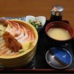 まるじゅう井とう - 料理写真:甘えび二色丼(1600円)