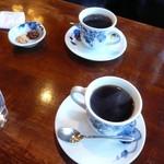 アデリータ - コーヒーとクッキー