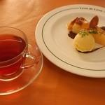 Lyon de Lyon - 洋梨のタルトと紅茶