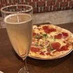 吉祥寺 PIZZA&WINE ESOLA - ワイン飲放題。しかも時間無制限‼︎