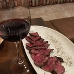 吉祥寺 PIZZA&WINE ESOLA - イチボと赤ワイン 美味い!合う〜(^L^)