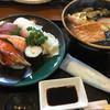 魚屋(さかなや)うずしお - 料理写真:うどんとお寿司のセット