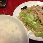 北京亭 - 肉入り野菜炒め定食