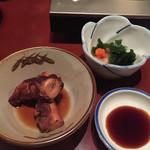 ゆるり屋 - 先付/佐世保の恵だこ煮、ナマコ酢