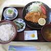 みくに - 料理写真:豚カツ定食 780円。備え付けの塩で食べると乙。