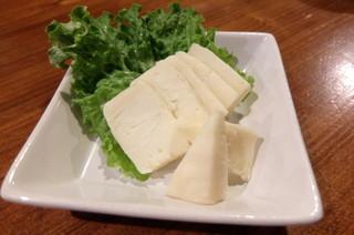 炉端のユーカラ - チーズの味噌漬け