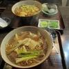東家寿楽 - 料理写真:手前が、かしわそば 奥が、たぬきそばとおにぎりかつお