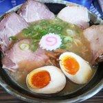 ラーメン人生JET - 鶏煮込みチャーシュー + 半熟味付玉子