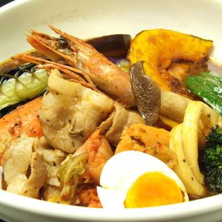 東京らっきょブラザーズ - 料理写真:ブラザーズスペシャルカレーは18種類もの食材が入って大満足!!