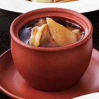 東天紅名菜 ふかひれと鮑、乾貨の壷煮