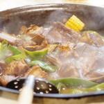 味坊鉄鍋荘 - 排骨炖扁豆