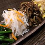 東京焼肉 - ナムル盛り