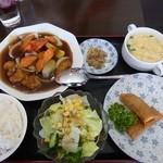 餃子工房 你好 - 日替わり定食 680円