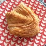 46971100 - 2016年1月:2016年度 福袋(\3000)…4つ入っていたパンのうちの一つ、林檎のデニッシュ