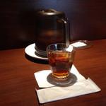 三希房 - 冷たい烏龍茶は濃くて美味しかった♪